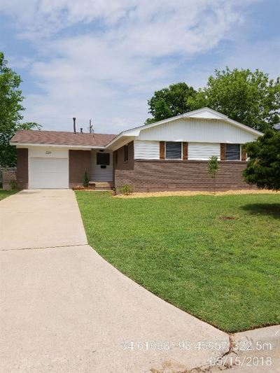 Lawton Single Family Home For Sale: 5315 NW Ash Ave
