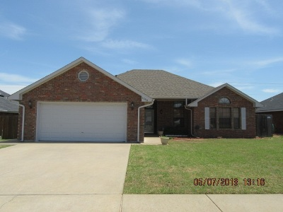 Lawton Single Family Home For Sale: 1506 SW 68th St