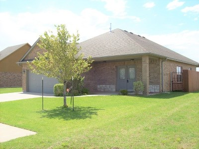 Lawton Single Family Home For Sale: 8004 SW Powell Ct