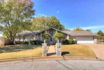 Lawton Single Family Home For Sale: 2522 NE Heritage Creek Dr