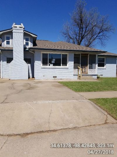 Lawton Single Family Home For Sale: 2619 NW Bell Ave