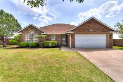 Lawton Single Family Home For Sale: 6 SW Bradbury Cir