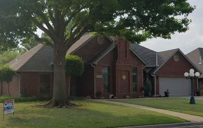 Lawton Single Family Home For Sale: 2005 NE 31st St