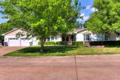 Lawton Single Family Home For Sale: 713 NW 35th Pl