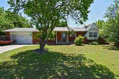 Lawton Single Family Home For Sale: 2701 NW Hilltop Dr