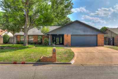 Lawton Single Family Home For Sale: 7638 NW Folkstone Way