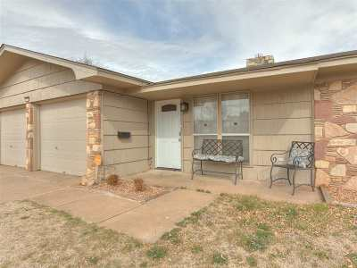 Lawton Single Family Home For Sale: 5109 NW Elm Ave
