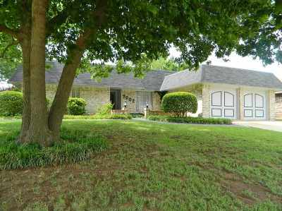 Lawton Single Family Home For Sale: 7202 NW Eisenhower Dr