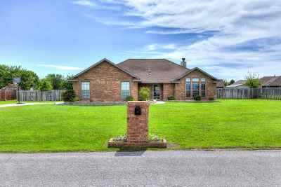 Lawton Single Family Home For Sale: 13 NW Valleybrook Dr