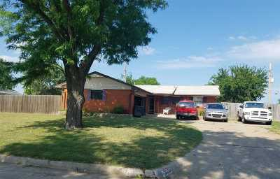 Lawton Single Family Home For Sale: 2221 NW 34th St