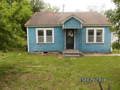 Lawton Single Family Home For Sale: 1214 NW Taylor Ave