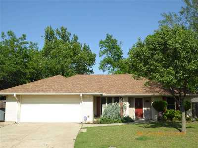 Lawton Single Family Home For Sale: 307 NW Parkwood Pl