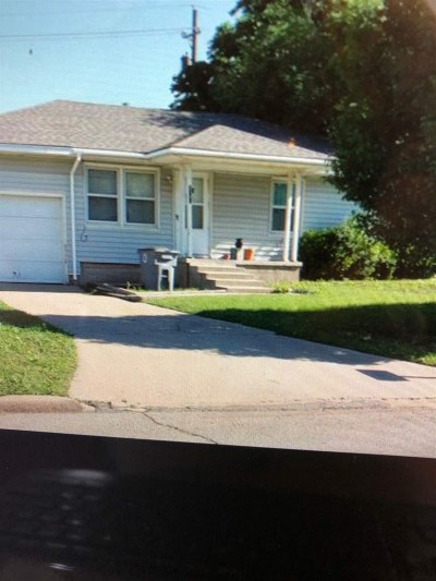 Comanche County Single Family Home For Sale: 3145 NW Kinyon Ave