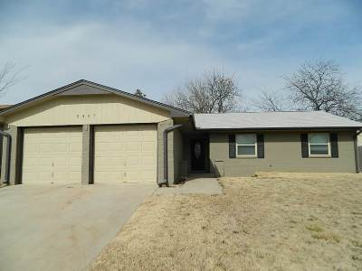 Comanche County Single Family Home Temporary Active: 5307 NW Rotherwood Dr
