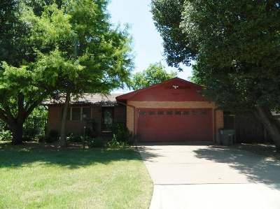 Lawton Single Family Home Uc-Continue To Show: 1442 NW 40th St