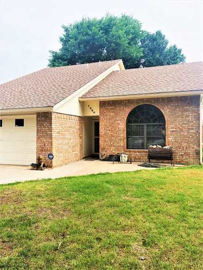 Lawton Single Family Home For Sale: 1004 NE Bob White Rd