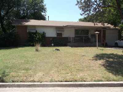 Lawton Single Family Home For Sale: 2106 NW 43rd St