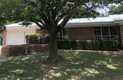 Walters Single Family Home For Sale: 505 E Kansas St