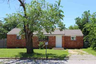 Lawton Single Family Home For Sale: 2106 NW Hoover Ave