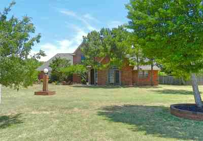 Lawton Single Family Home Under Contract: 1 A NW Pecan Valley Dr