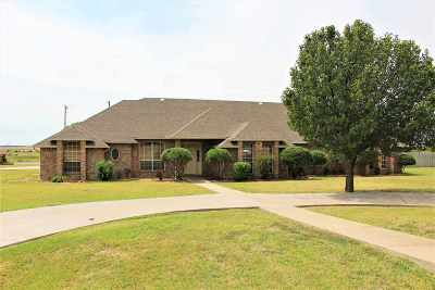 Lawton Single Family Home For Sale: 6 NW Wentwood Hill Dr