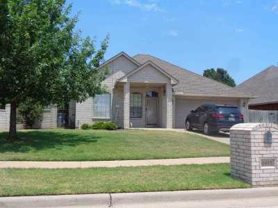 Lawton Single Family Home For Sale: 6611 NW Creekside Ct