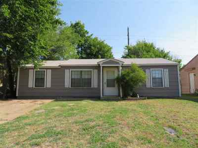 Lawton Single Family Home For Sale: 2733 SW G Ave