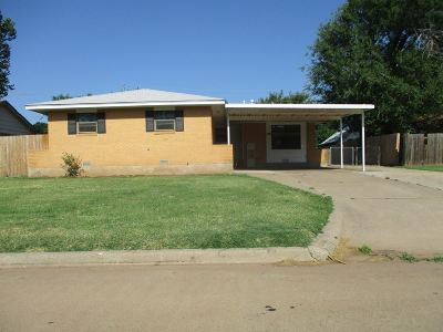 Lawton Single Family Home For Sale: 2220 NW 40th St