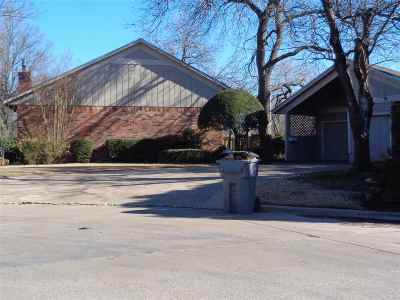 Lawton Single Family Home For Sale: 707 NW 46th St