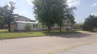Lawton Single Family Home For Sale: 2202 NW 12th St