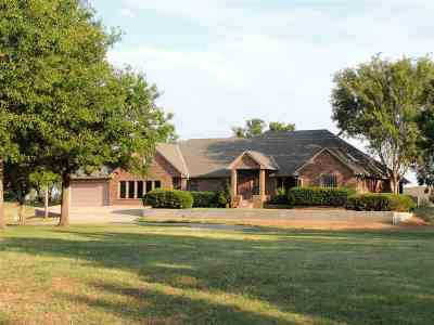 Lawton Single Family Home For Sale: 15 NW Winding Creek Rd