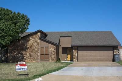 Lawton Single Family Home For Sale: 4902 SE Hardin Ave