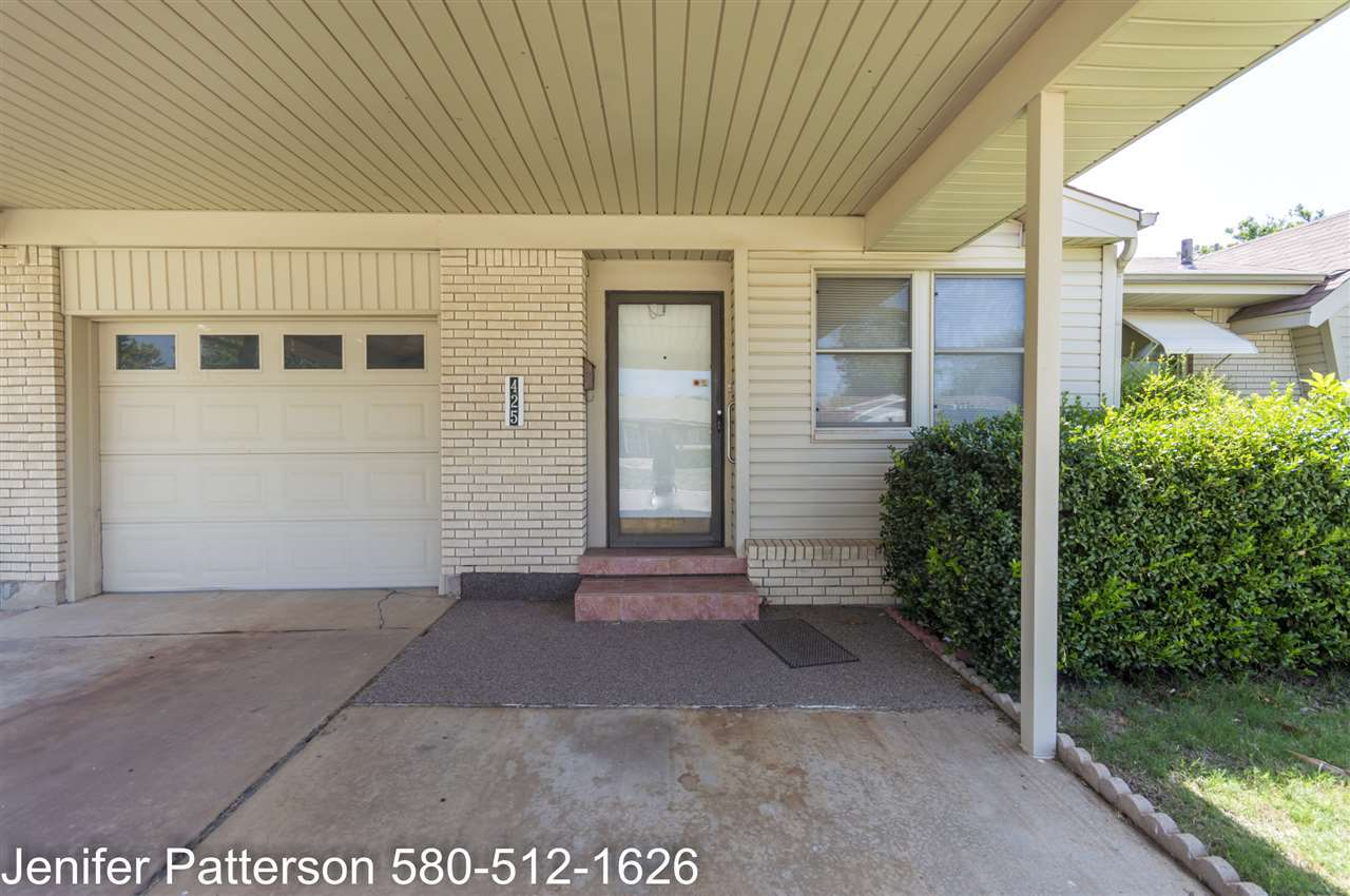 425 nw woodland dr lawton ok mls 151270 homevisions realty