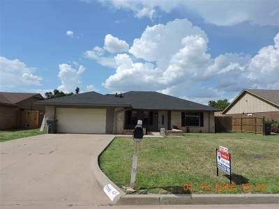 Lawton Single Family Home Under Contract: 7705 SW Beta Ave