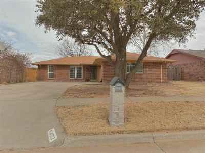 Lawton Single Family Home For Sale: 4522 NE Highlander Cir
