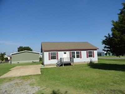 Elgin Single Family Home For Sale: 607 C St