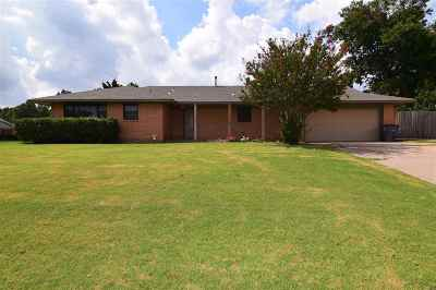 Lawton Single Family Home For Sale: 702 NW 35th Pl