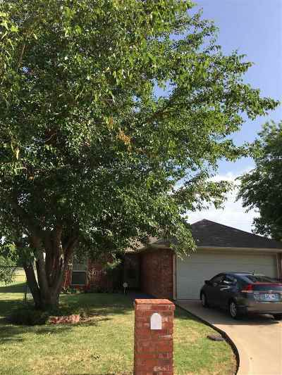 Lawton OK Single Family Home For Sale: $139,900