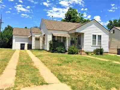 Comanche County Single Family Home For Sale: 1515 SW A Ave