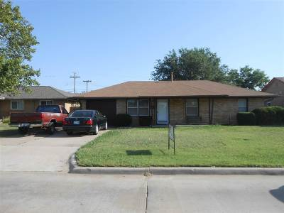 Comanche County Single Family Home For Sale: 2923 NW Euclid Ave