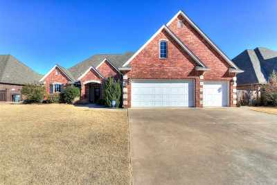 Comanche County Single Family Home For Sale: 7610 NW Wyatt Lake Dr
