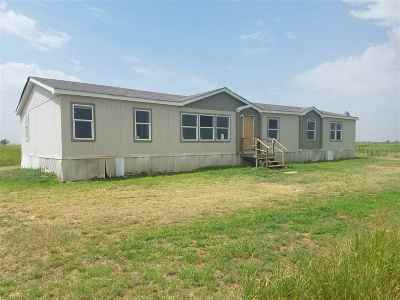 Caddo County Single Family Home Temporary Active: 20145 TRAILS WAY