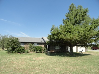 Caddo County Single Family Home For Sale: 46104 CS 2630