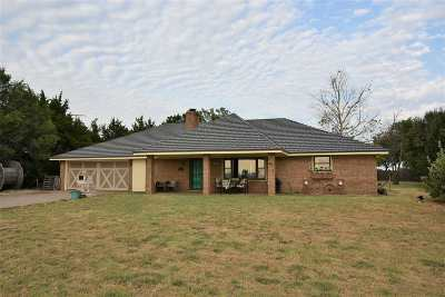 Single Family Home For Sale: 130 NE Windy Rd