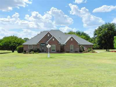 Cache Single Family Home For Sale: 155 NW Crater Creek Rd