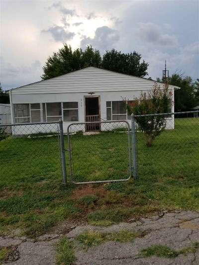 Caddo County Single Family Home Under Contract: 317 N Mt Scott St