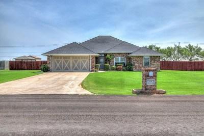 Lawton Single Family Home For Sale: 18 SW Oak Tree Dr