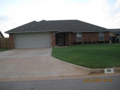 Geronimo Single Family Home For Sale: 311 E Seminole