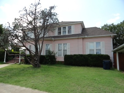 Caddo County Single Family Home For Sale: 401 W Central