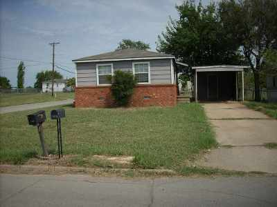 Comanche County Single Family Home For Sale: 1515 SW Texas Ave